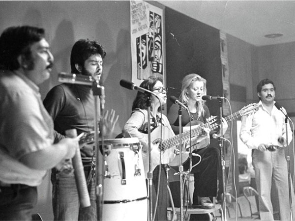 Carmen Rodriguez with Resistencia, Vancouver-based Chilean musical ensemble. Carmen Rodríguez is not the blonde woman. 1978.